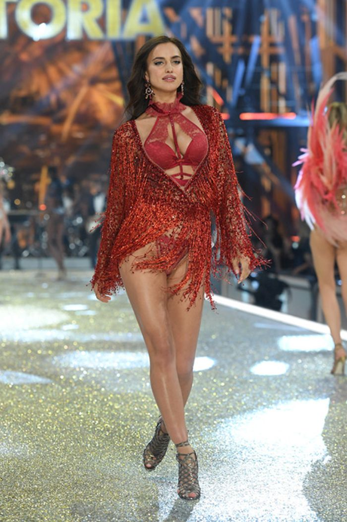 PARIS, FRANCE - NOVEMBER 30: Irina Shayk walks the runway during the 2016 Victoria's Secret Fashion Show on November 30, 2016 in Paris, France.