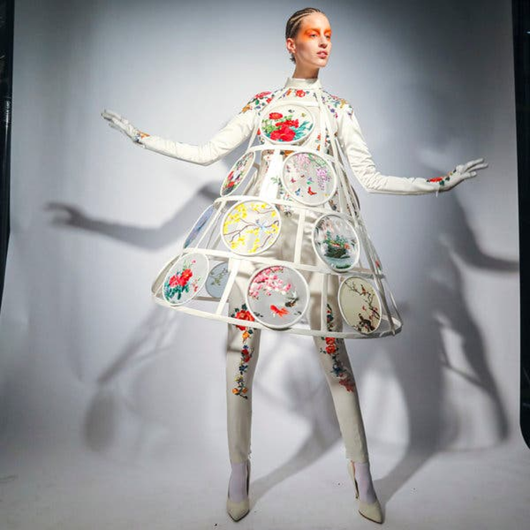 https://static01.nyt.com/images/2020/01/23/fashion/23gaultier-boygeorge/merlin_167603382_41b1edf0-9cee-46b5-a4ce-b1892244cf72-articleLarge.jpg?quality=75&auto=webp&disable=upscale