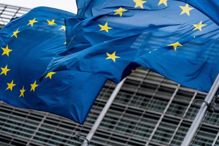 Европа переходит на режим полной самоизоляции