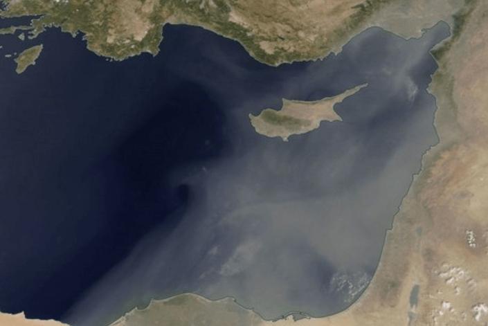 На Кипре пыль